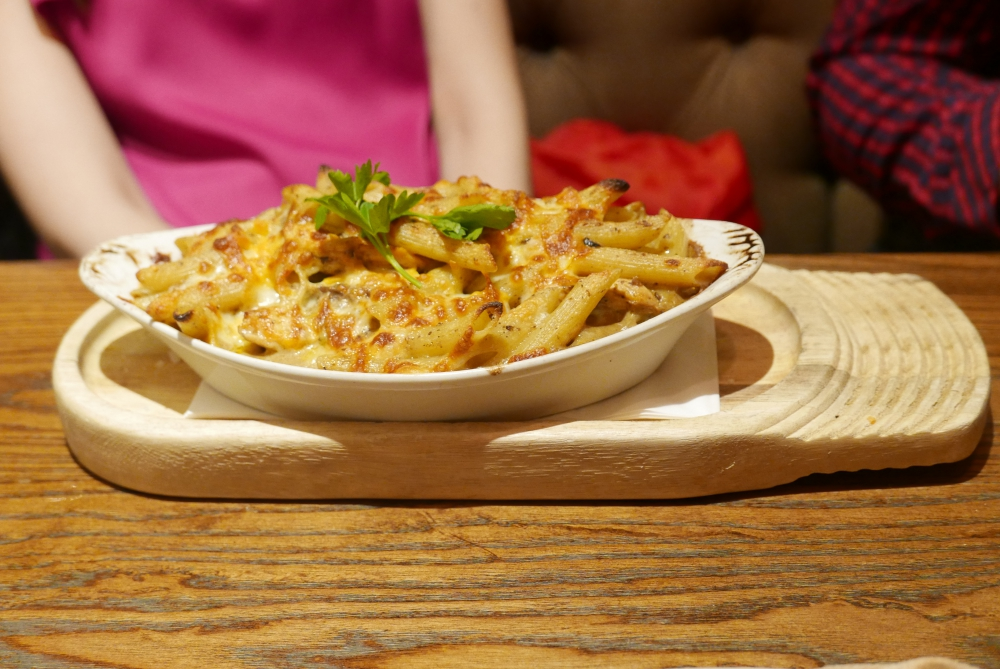 Baked chicken and mushroom penne pasta