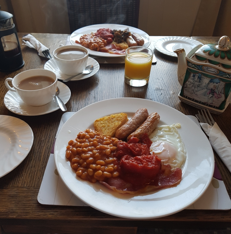 full-english-breakfast-queens-hotel