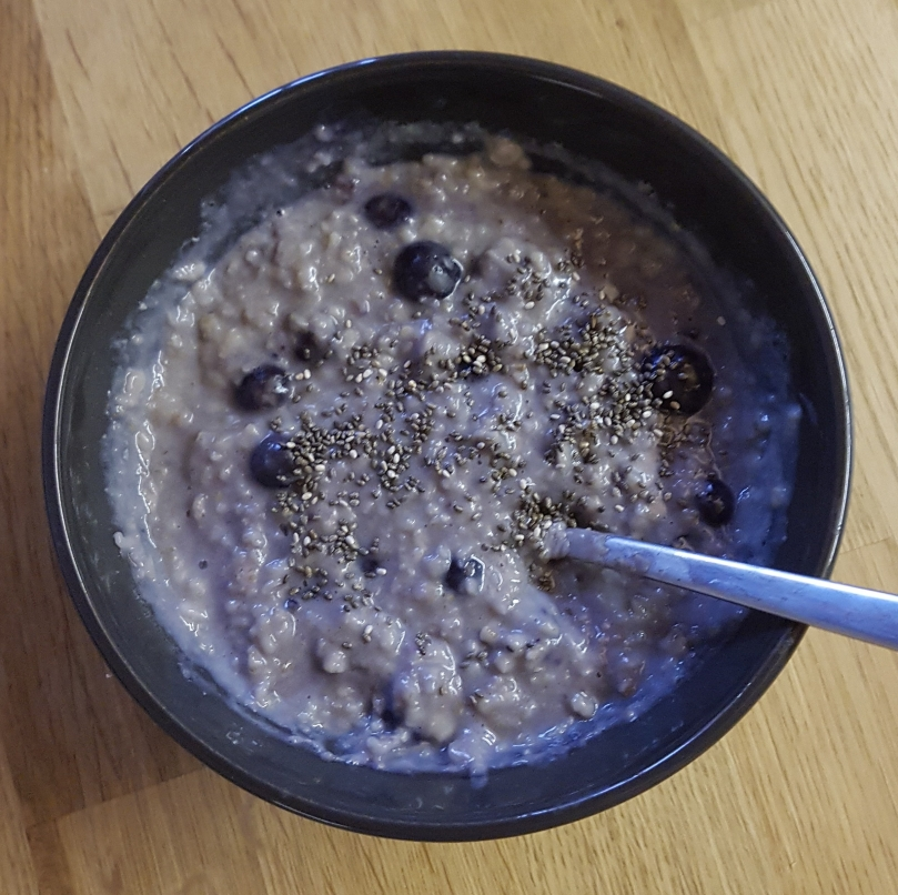 blueberry-protein-porridge